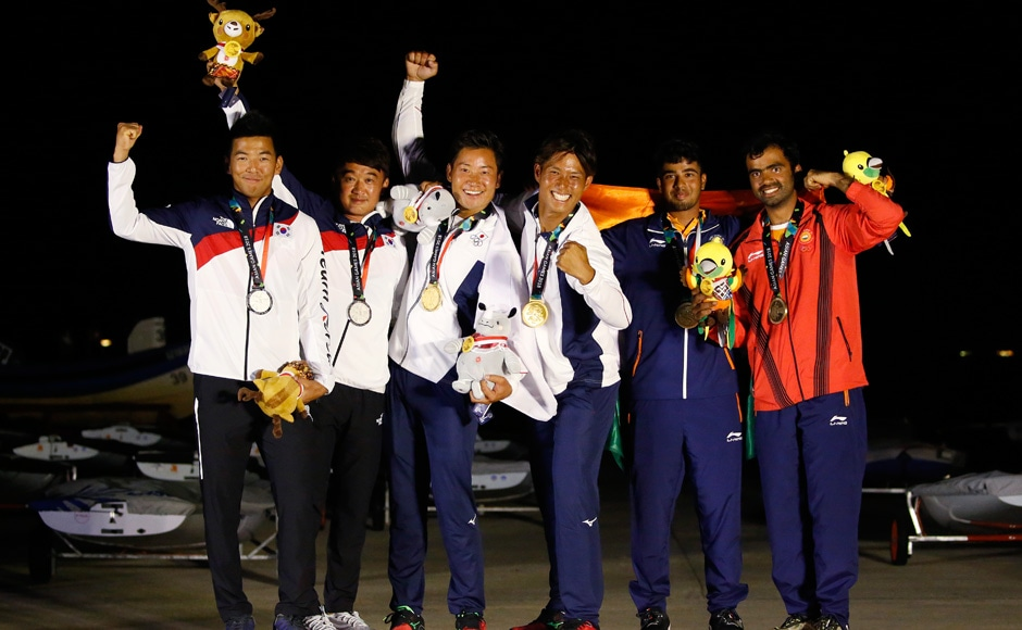 Varun Thakkar and Ganapathy Chengappa of India finished third in the 49er Men category to win a bronze medal in sailing. Reuters