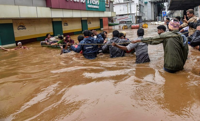 Kerala flood toll rises to 97 as 30 killed in single day; Centre rushes NDRF teams, army to shore up response