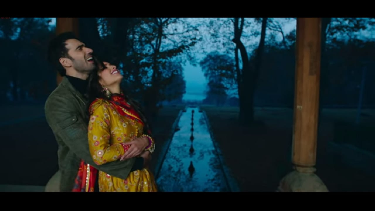A still from Laila Majnu song O Meri Laila. YouTube screengrab