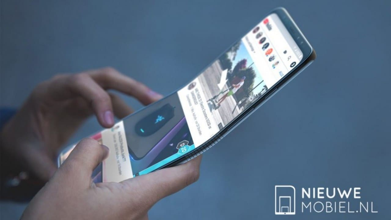 The Google patent is reported to reveal that the company is working on a folding phone.