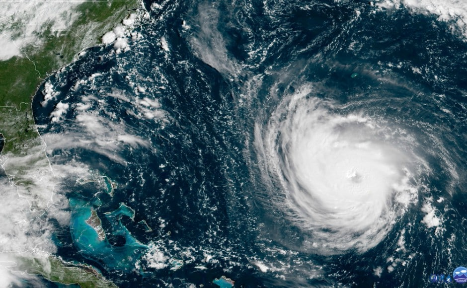 Hurricane Florence: As monster storm closes in on Carolinas, people rush to buy supplies, board up homes