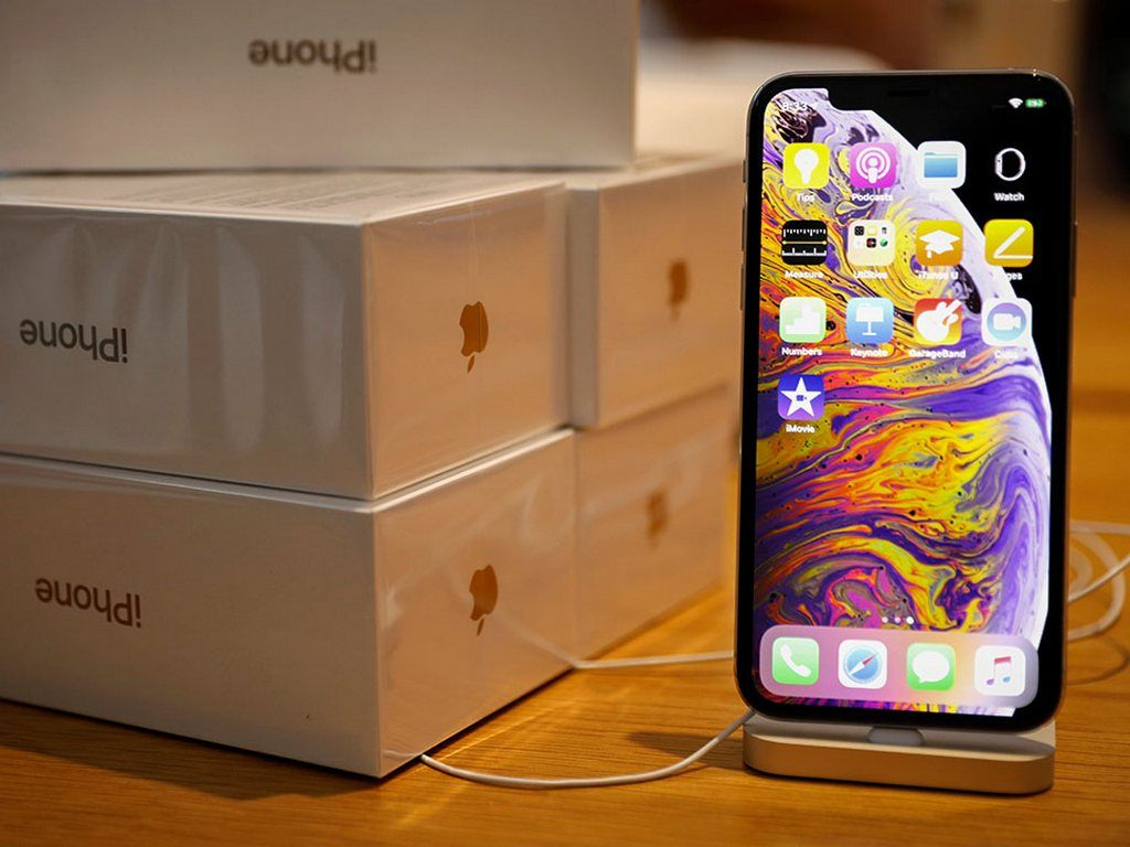 Apple iPhone XS and XS Max users complain of an annoying issue while charging