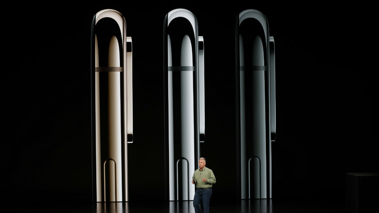Apple shows off its its biggest and most expensive iPhone at a whopping <img class=