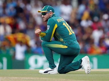 Cricket - Sri Lanka v South Africa - Second One Day International - Dambulla, Sri Lanka - August 1, 2018 - South Africa's captain Faf du Plessis looks on. REUTERS/Dinuka Liyanawatte - RC185D72F7F0