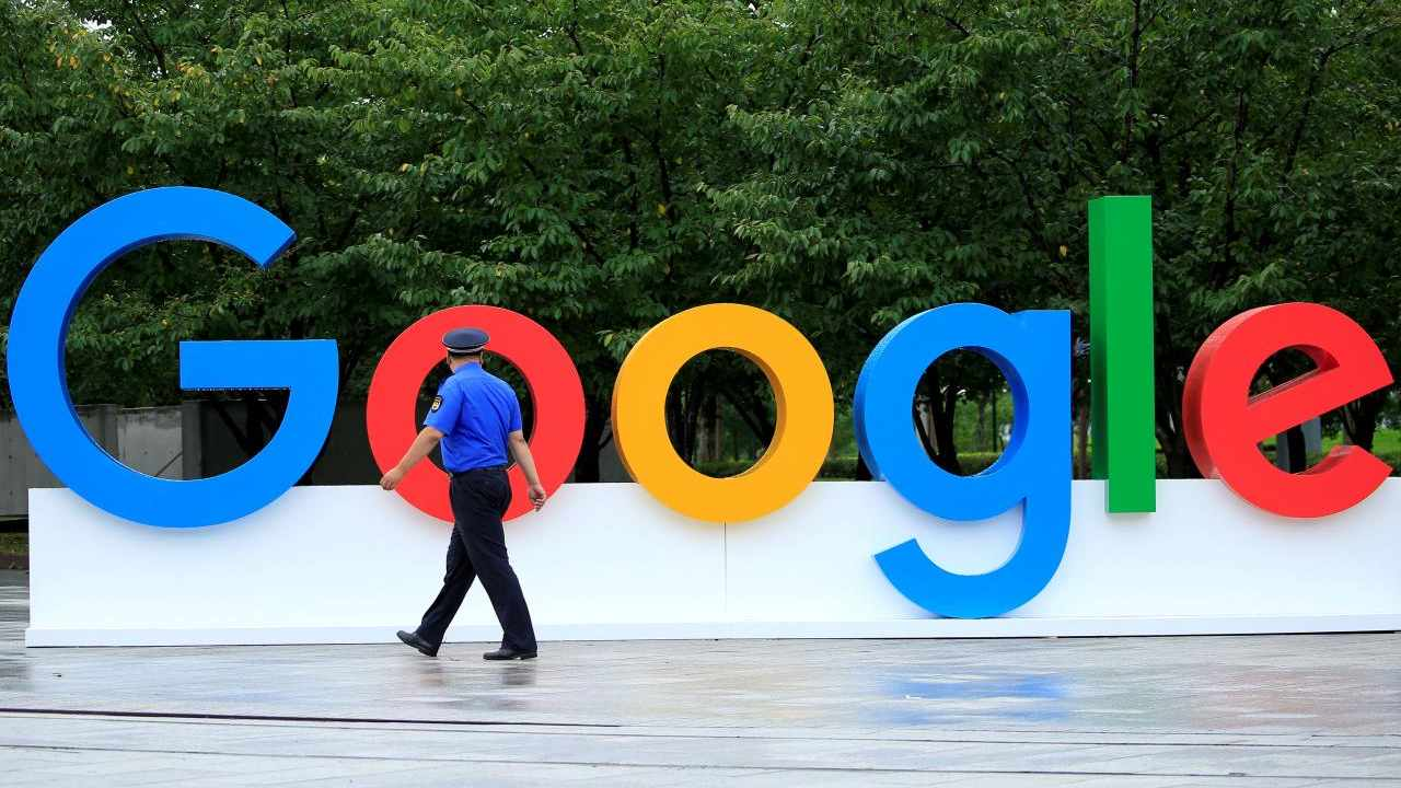 FILE PHOTO - A Google sign is seen during the WAIC (World Artificial Intelligence Conference) in Shanghai, China, September 17, 2018. REUTERS/Aly Song