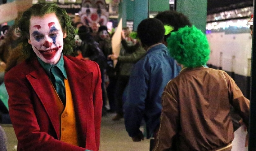 Joaquin Phoenix as the Joker on set of Todd Phillips' upcoming film. Image via Twitter