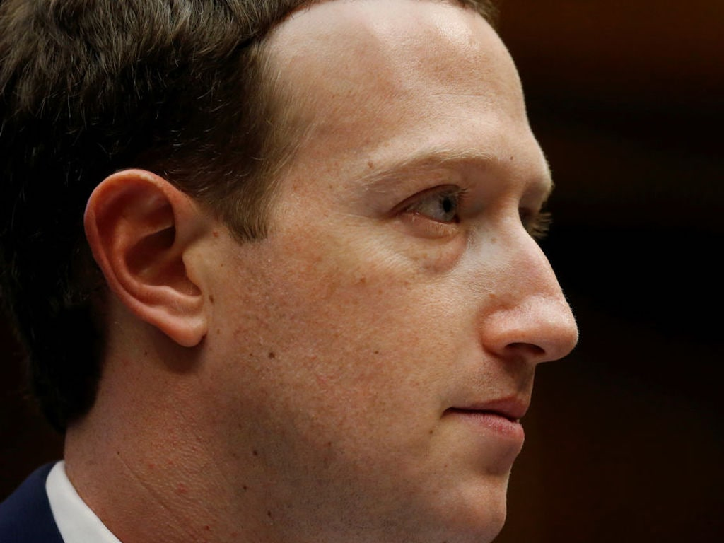 Facebook CEO Mark Zuckerberg testifies before a House Energy and Commerce Committee hearing regarding the company's use and protection of user data on Capitol Hill in Washington, U.S., April 11, 2018. REUTERS/Leah Millis - RC1B8AF06ED0