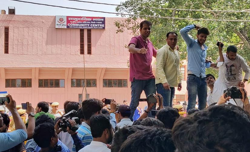 NSUI members created a ruckus around the community center where counting was underway. They alleged that ABVP was responsible for EVM 'tampering'. Pallavi Rebbapragada