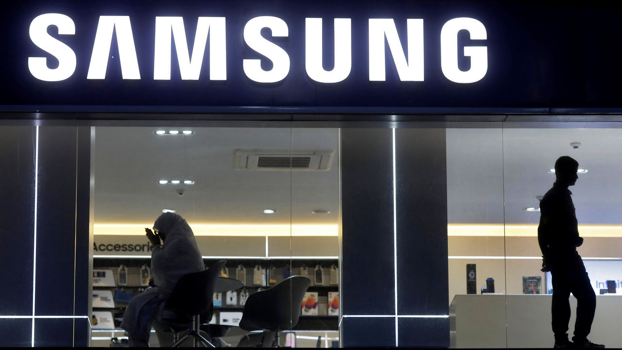 Samsung workers in Noida stage protest, demand salary hike, change in shifts