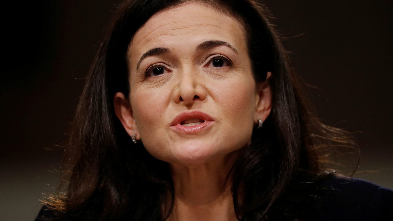 Facebook COO Sheryl Sandberg testifies before a Senate Intelligence Committee hearing on foreign influence operations on social media platforms on Capitol Hill in Washington, U.S., September 5, 2018. REUTERS/Joshua Roberts - RC11AE857540