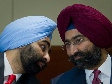 File picture of Shivinder Singh (l), Managing Director of Fortis Healthcare, and Chairman Malvinder Singh. Reuters