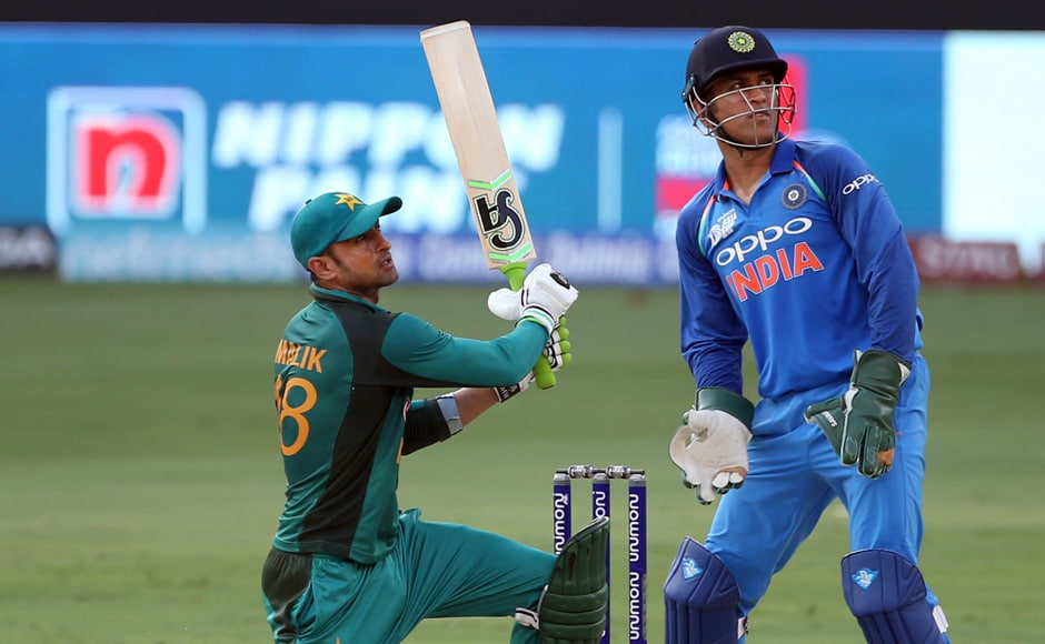 Sarfraz Ahmed and Shoaib Malik put together a stand of 107 runs to stabilise Pakistan and take their score to 165, before the fall of Sarfraz Ahmed's wicket. AP