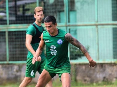 Jamshedpur FC's marquee player Tim Cahill trains with his teammates. Image credit: Twitter/@Tim_Cahill
