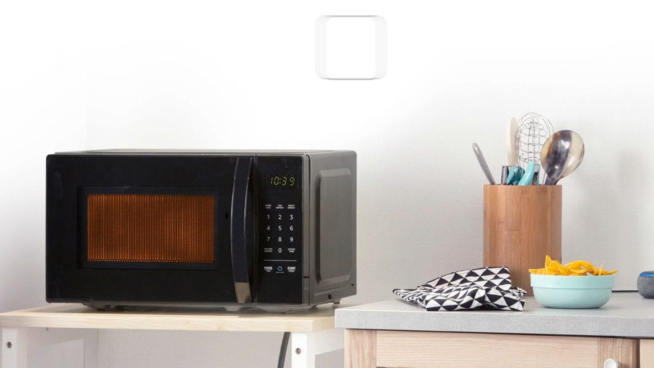 Amazon Basics Microwave. Amazon.