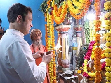 Rahul Gandhi at a temple. Image Courtesy: Facebook