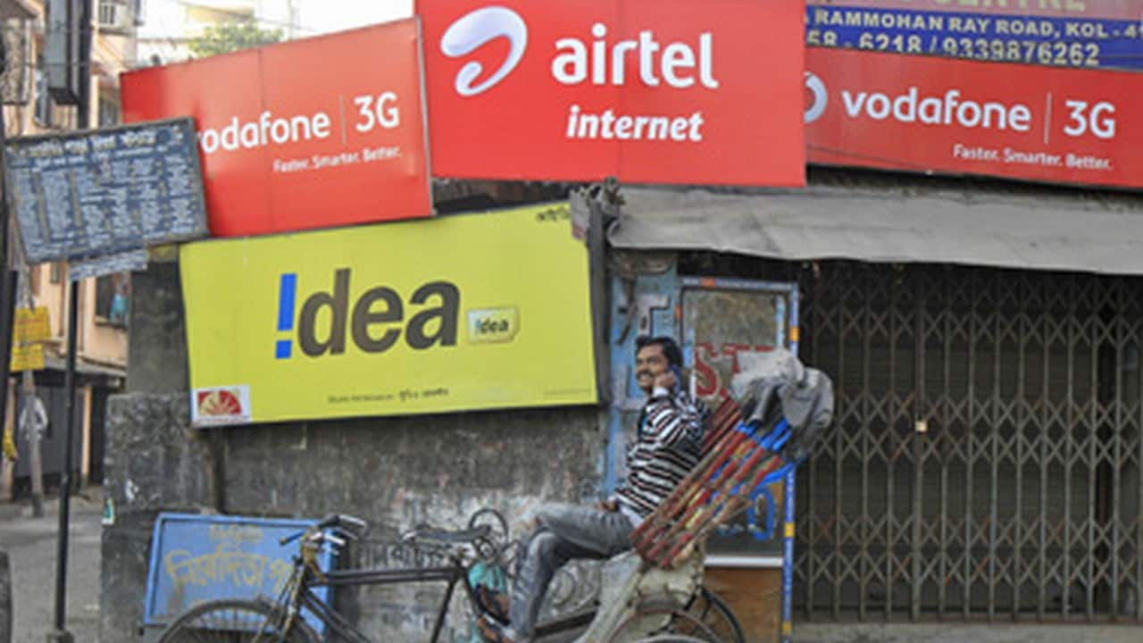TRAI slaps fine on Vodafone, Jio, Airtel for not meeting service quality norms