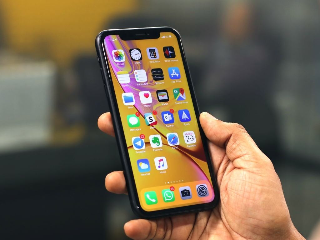 The Apple iPhone XR. Image: tech2/Omkar Patne