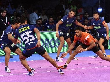 Action from the match between U Mumba and Haryana Steelers. Imag courtesy: Pro Kabaddi League
