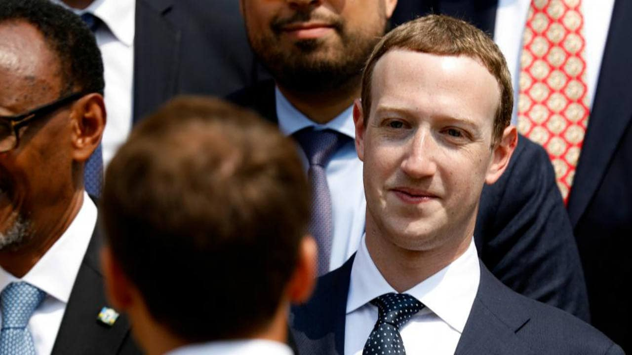 Facebook's majors shareholders propose removal of Mark Zuckerberg as chairman