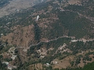 Pakistani troops violate ceasefire along LoC in Jammu and Kashmirs Poonch, Indian army retaliates