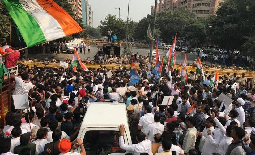 Dramatic visuals played out in the high security area of national capital as Opposition protesters jostled with policemen and tried to breach the barricade. Ravishankar Singh