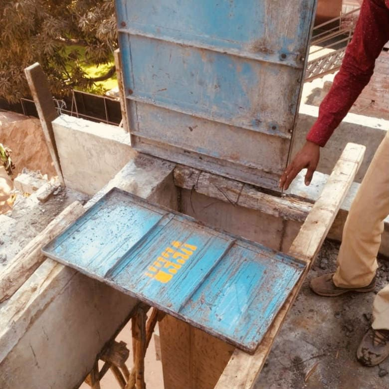 The last implementing authority of ILO's standards on health and safety are the sub-contractors who are neither aware nor concerned about dilapidated and defective construction material. Image courtesy: Pallavi Rebbapragada/Firstpost