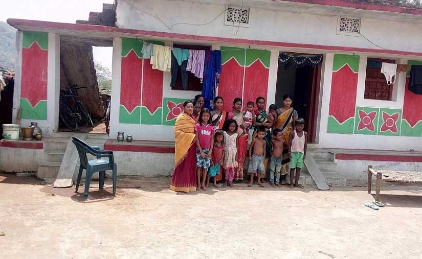 ASHA workers with beneficiaries in a village in Kalahandi. Image Courtesy: Sneha Rout