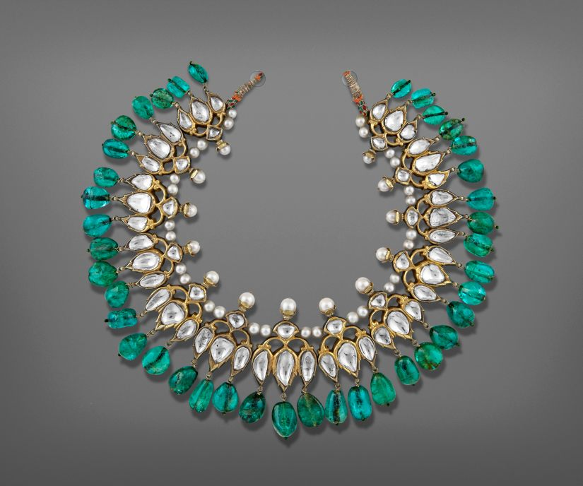 Champakali (Necklace) Deccan, early 18th century Gold, diamonds, emeralds, enamel Private collection