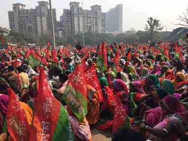 Thousands of farmers will march from Thane to Mumbai's Azad Maidan today. Twitter/@AmithaBala
