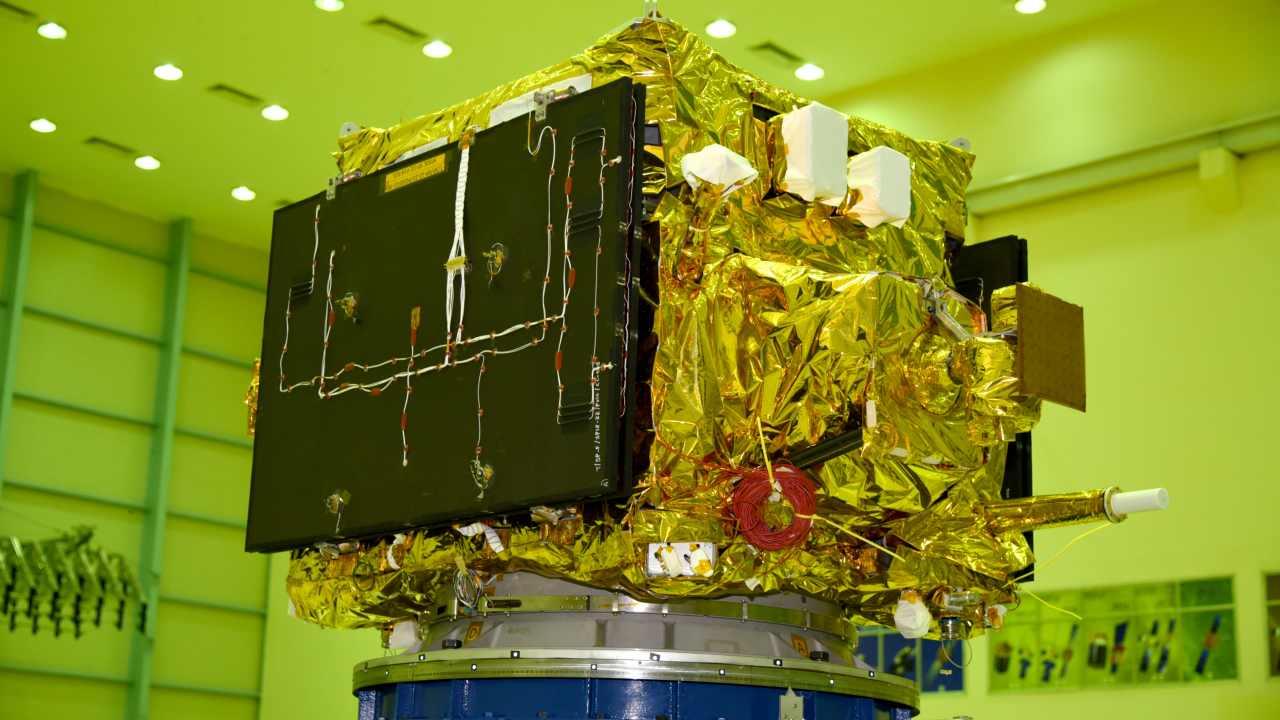 HySIS in the clean room before being moved into the PSLV-C43. Image courtesy: ISRO