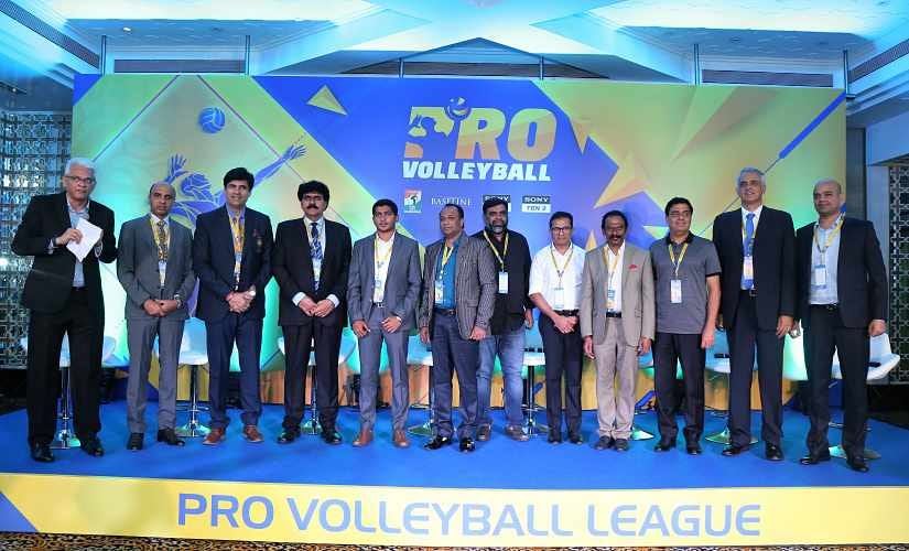 CEO of Pro Volleyball Joy Bhattacharjya (left) with VFI Secretary General Ramavtar Singh Jhakar and team owners at a press conference. Image courtesy: Pro Volleyball