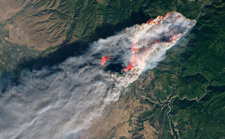 California wildfires: Infernos char acres of land, firefighters continue to battle blazes