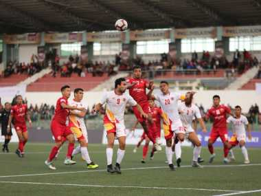 I-League 2018-19: East Bengal ride on Jobby Justins first-half brace to see off Shillong Lajong, record second win