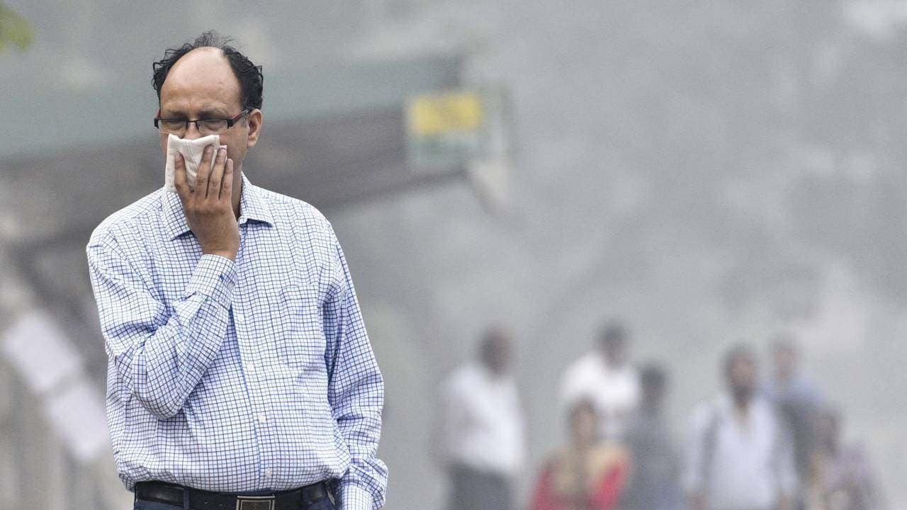 Air pollution cuts the average India's lifespan by 4 years, according to a new study.