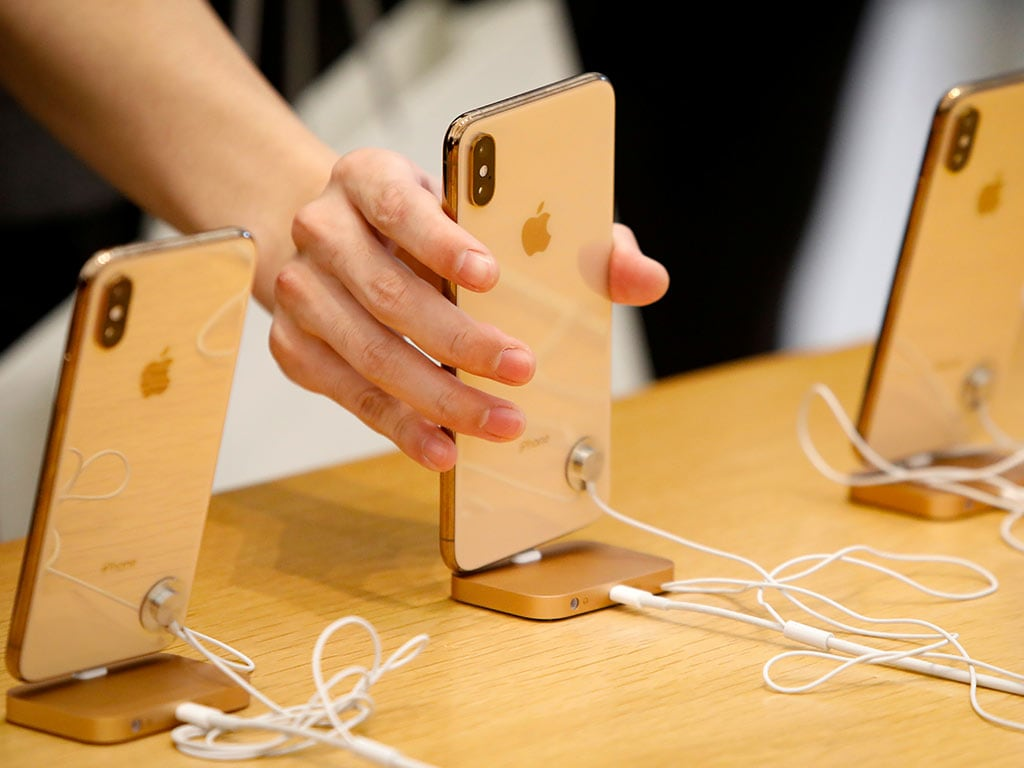 Apple claims 1.4 billion active devices, but iPhone sales see 15% drop from last year