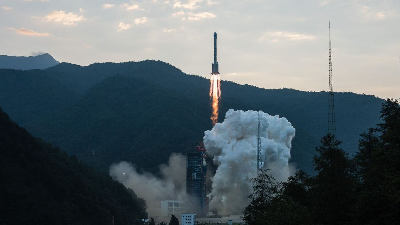 Chinas Change-4 spacecraft launched in worlds first mission to moons far side
