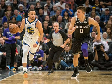 NBA: Stephen Curry, Kevin Durant star as Warriors beat Kings; Giannis Antetokounmpo leads Bucks to win over Cavaliers