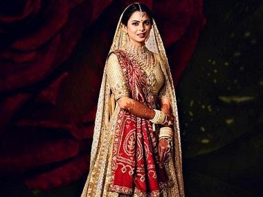 Isha Ambani wears mother Nita's 35-year-old wedding saree for her marriage ceremony
