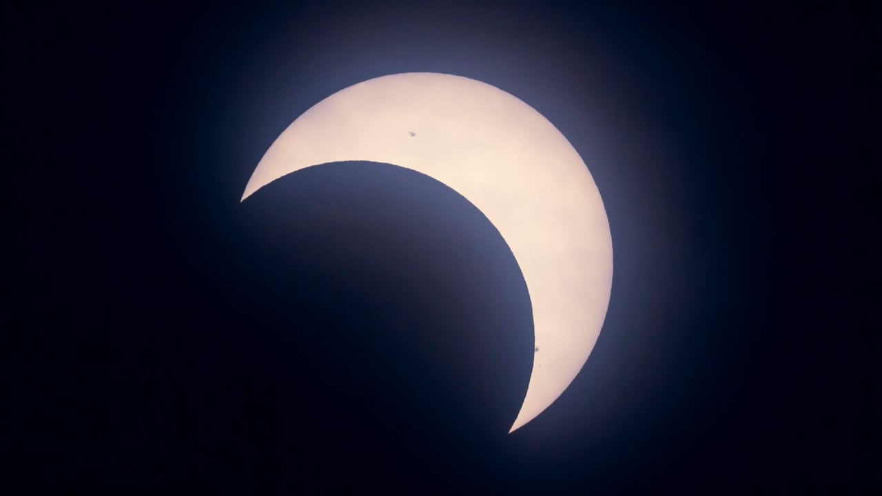 The partial solar eclipse as seen from Calgary, Alberta, on May 20, 2012, captured at maximum eclipse. Image: AmazingSky