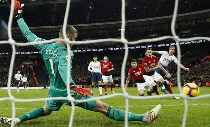 Manchester United's David de Gea pulled off 11 saves in the second half to star in Red Devils'1-0 win over Spurs. AP