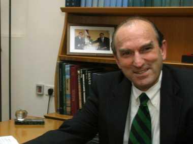 US appoints Elliot Abram, who ran Ronald Reagans anti-communist campaigns, as envoy to restore democracy in Venezuela