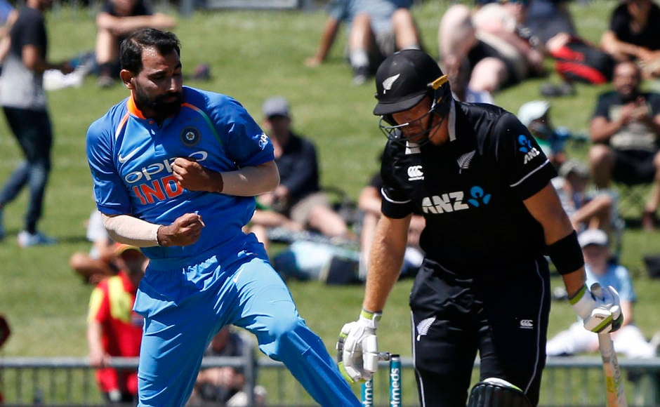 Shikhar Dhawan, Mohammed Shami shine in Napier to help India beat New Zealand by 9 wickets in first ODI