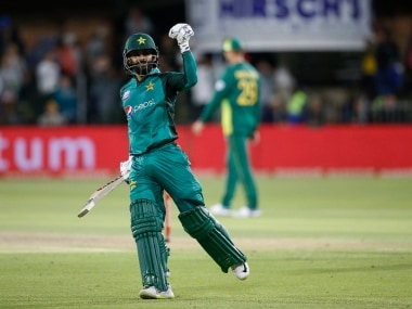 Mohammad Hafeez flies to Manchester for surgery, says he is confident of recovering in time for 2019 World Cup