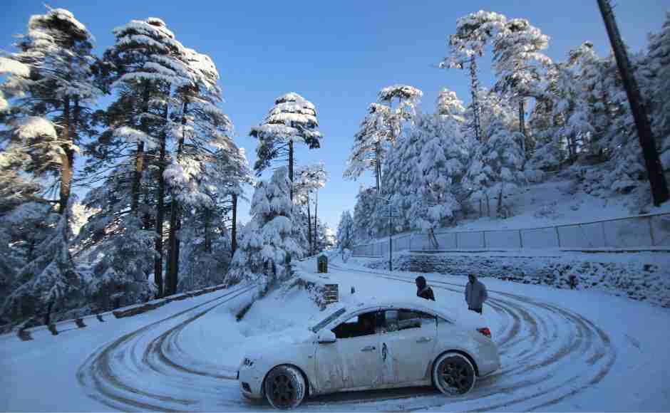 Cold wave intensifies in several parts of North India, snow-laden roads in Patnitop, Pir Panjal mountain range receives heavy snowfall