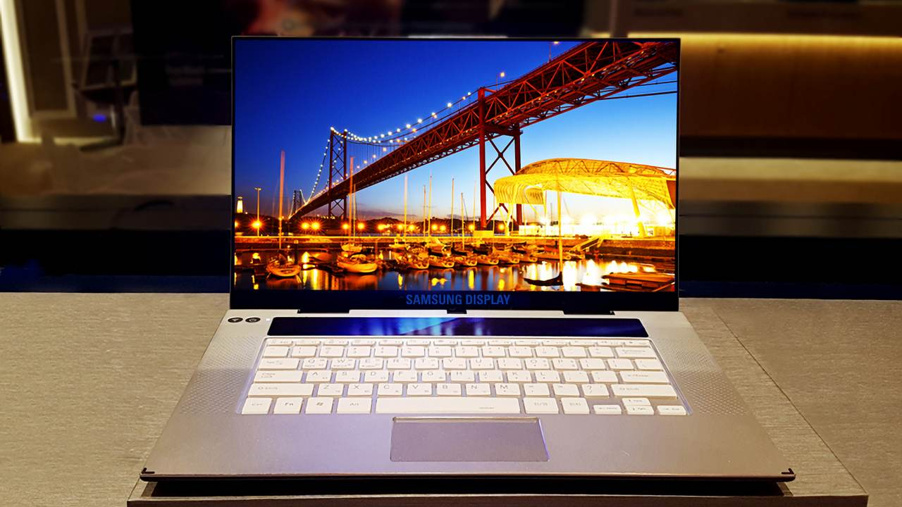 Samsung unveils the first 15.6-inch 4K OLED display for premium notebooks