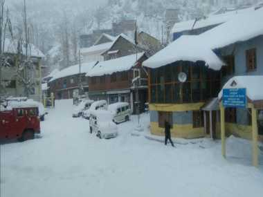 Cold wave in Himachal Pradesh intensifies; Keylong continues to be coldest region in state at -11 degrees Celsius