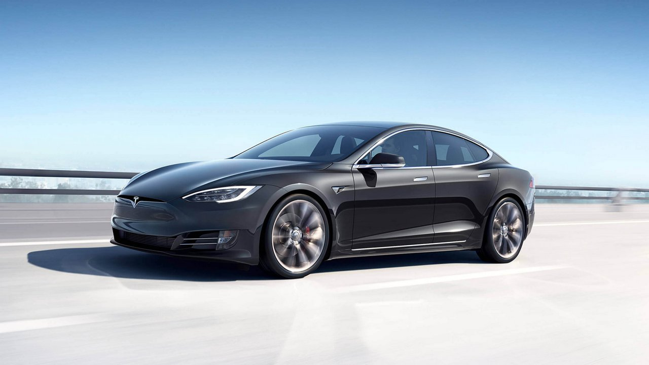 Tesla to reduce production hours for higher-priced Model S and Model X cars