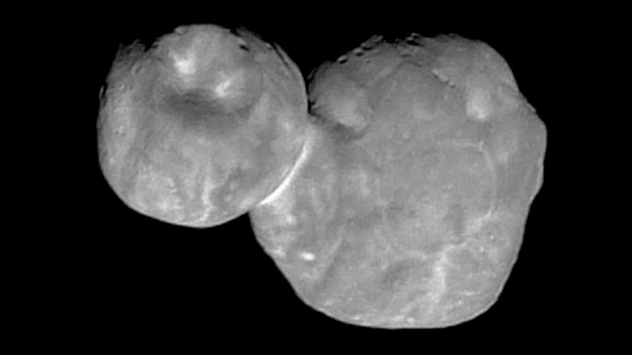 The most high-res image New Horizons has captured and beamed back of the tumbling snowman-looking Kuiper belt object, Ultima Thule. Image credit: NASA
