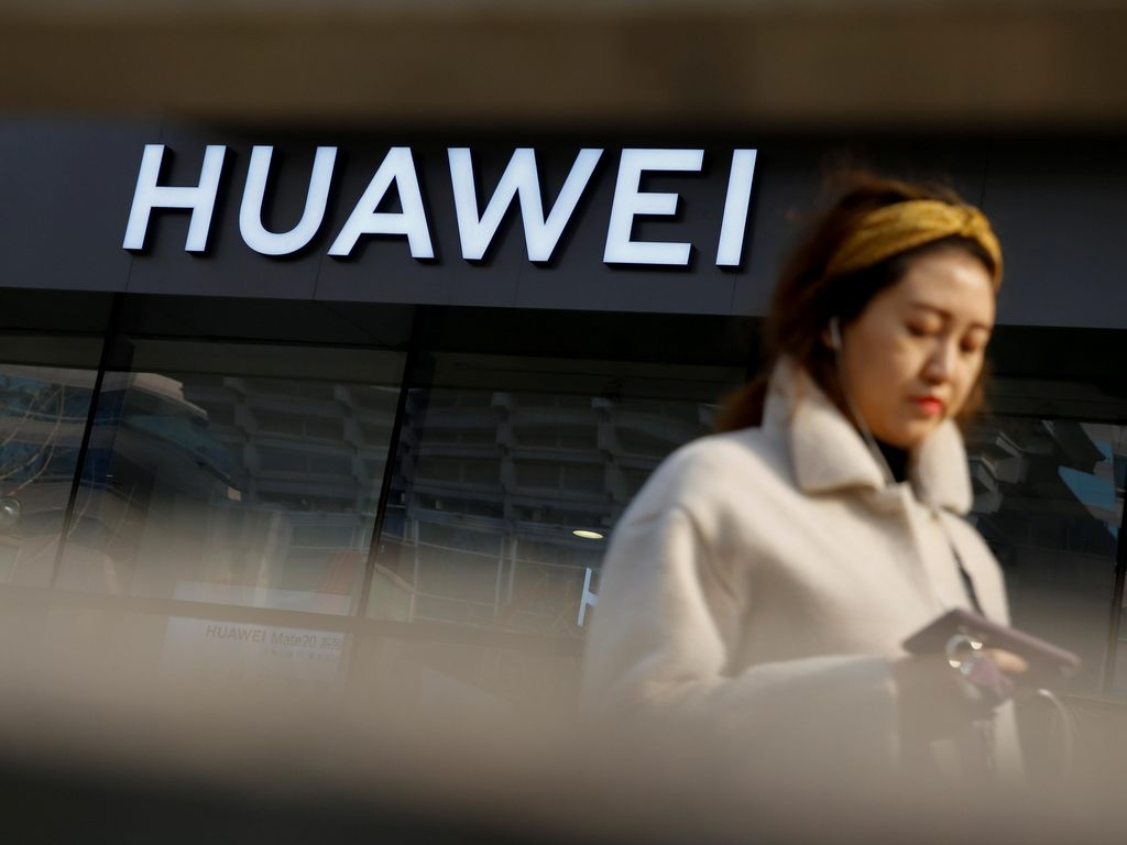 Canada undecided over banning Huaweis 5G telecom equipment in its country