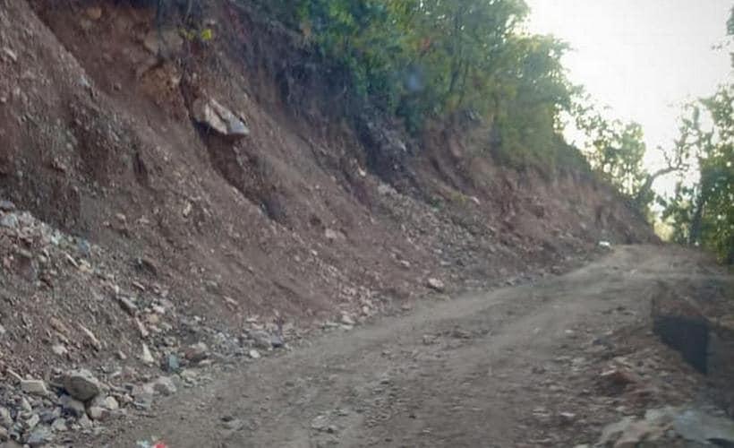 The hill cutting roads in Pithauragarh district. Image courtesy: Rahul Singh Shekhawat